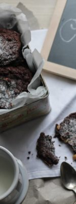 Cookies con cioccolato e arachidi