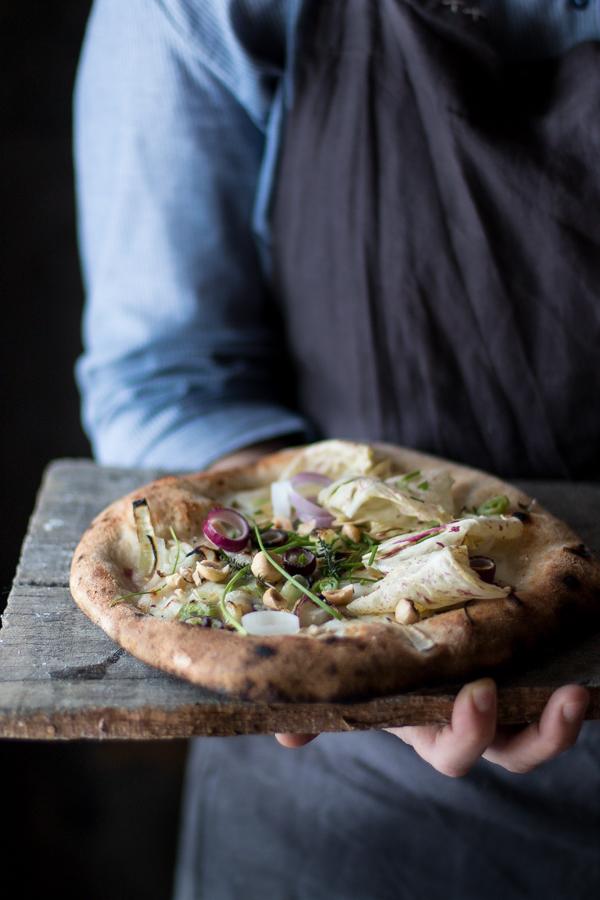 Pizza semi integrale con cipollotto