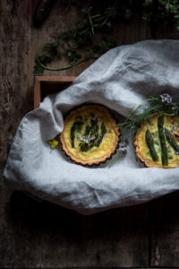 Quiche con asparagi e robiola di Roccaverano dop